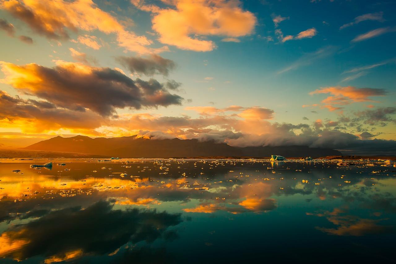 Kodėl Islandijos sala iškilo Atlanto viduryje?